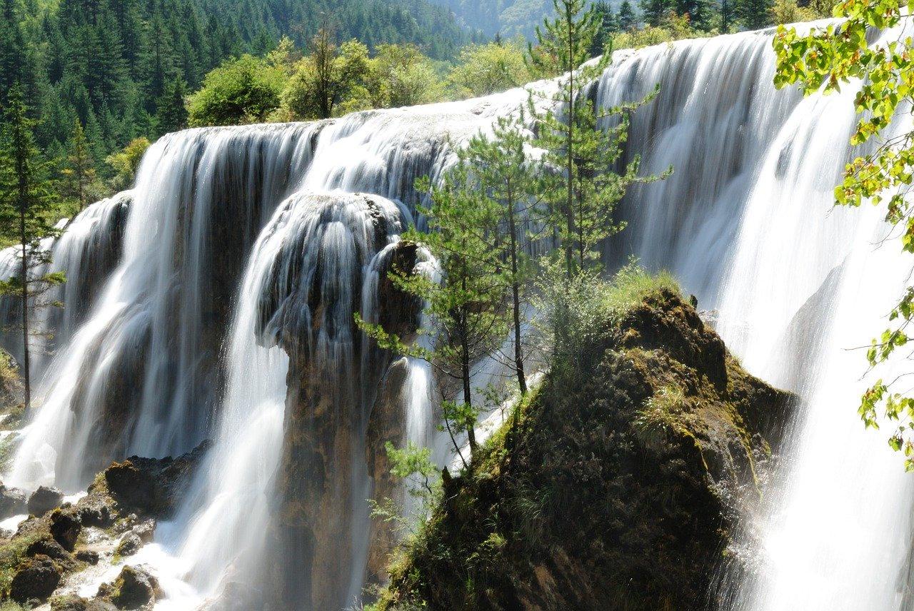 De Pearl waterval in het Jiuzhaigou Nationaal Park